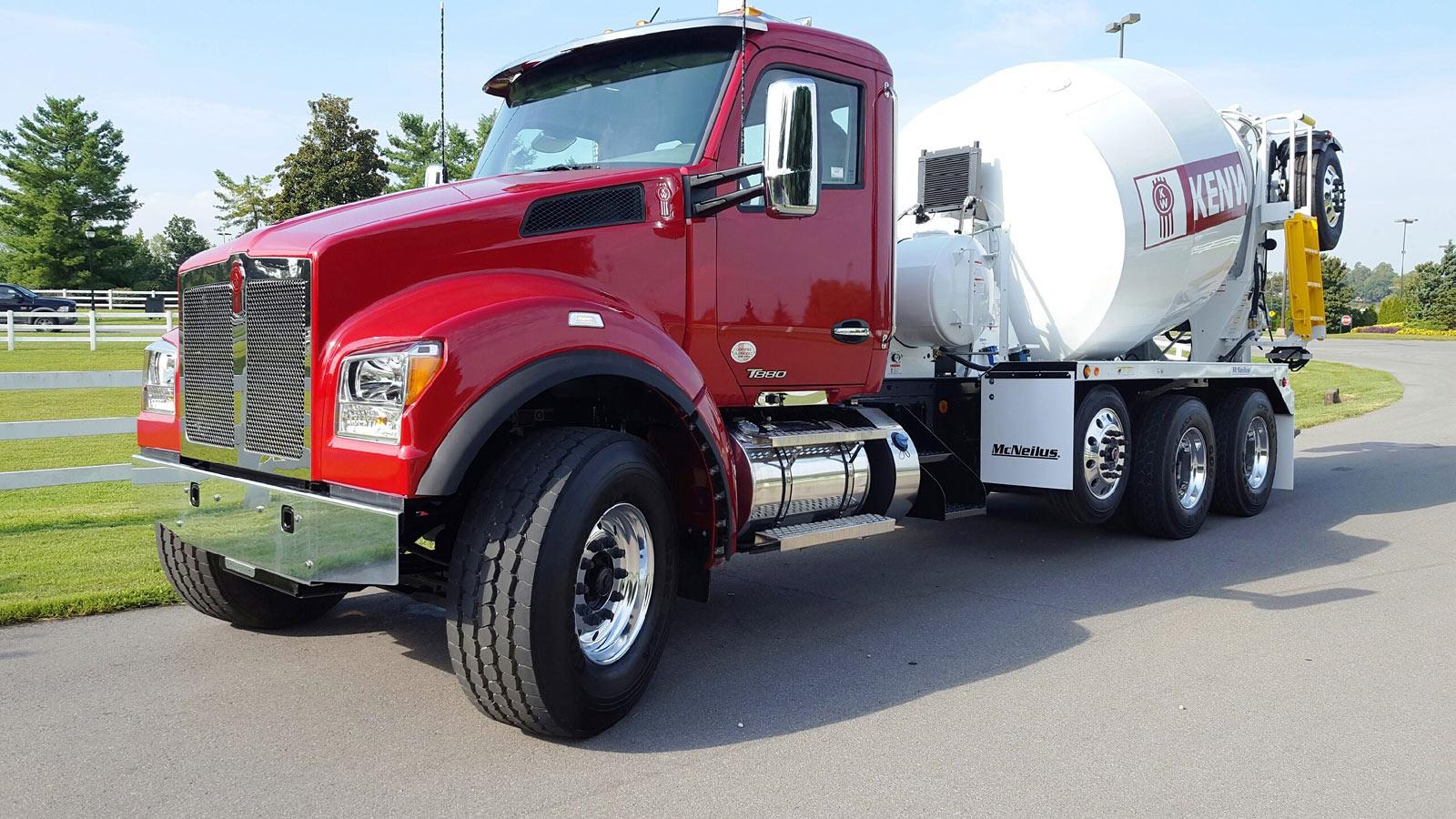 trucksplanet news history photo archive pdf broshures kenworth expands t880 new set forward configuration t880s